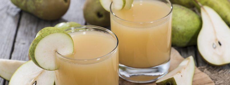 Il succo alla pera per la merenda dei bimbi lo facciamo in casa!